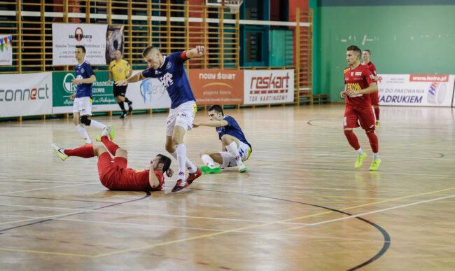 1 liga futsalu. Osłabione Heiro przegrało w Nowinach. Ekom – Heiro 5-2 (1-0)