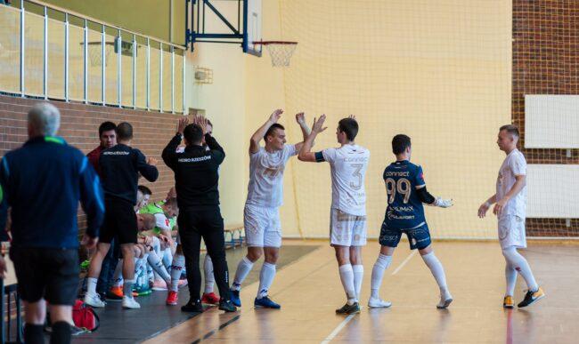 1 liga futsalu: Przełamanie Heiro. Heiro – Kamionka Mikołów 5-3 (1-1)